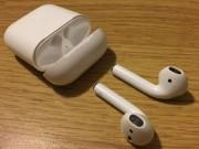 Tại sao tai nghe không dây AirPods của Apple có 3 lỗ nhỏ?
