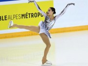 """Nữ thần 15 tuổi Olympic mùa đông: """"Đè"""" mỹ nhân, cứu cả """"đoàn Nga"""""""
