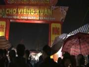 Phiên chợ cả năm họp một lần: Khách đổ về tắc đường dài 2km