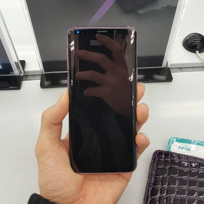 TRỰC TIẾP: Nhiều ảnh rõ vẻ thứ ấm phẩm Galaxy S9 rò ri rỉ trước bây giờ G - 9