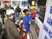 Thuế môi trường đánh vào xăng dầu: Quả trứng, lá rau cũng tăng giá