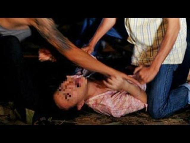 """Kết quả giám định pháp y vạch mặt """"yêu râu xanh"""" sát hại bé gái ở đầm tôm - 2"""