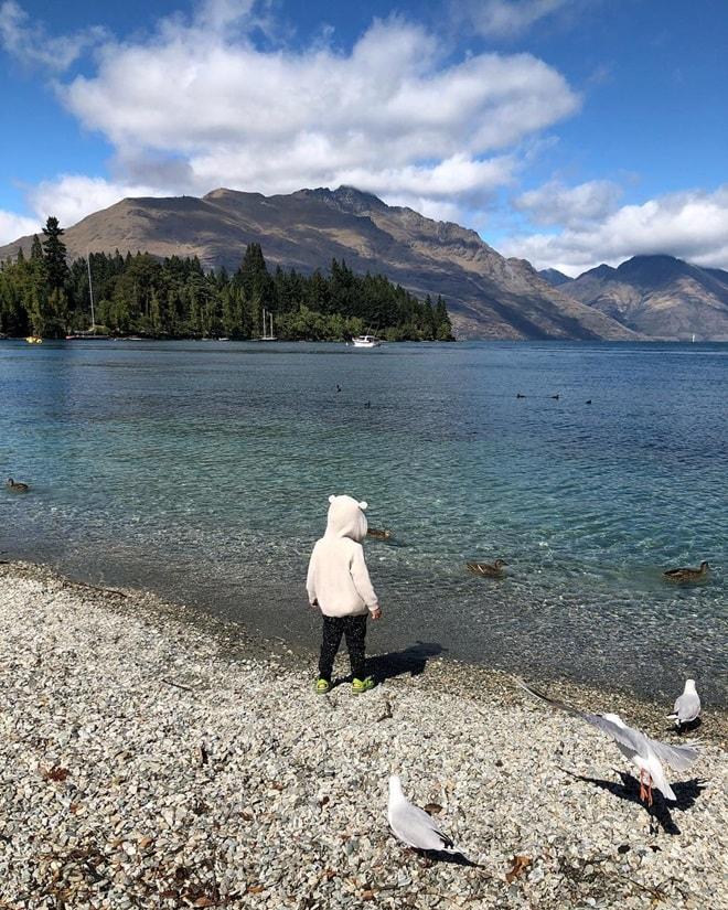 Vợ chồng Hà Tăng khoe ảnh tình cảm tại New Zealand - 4