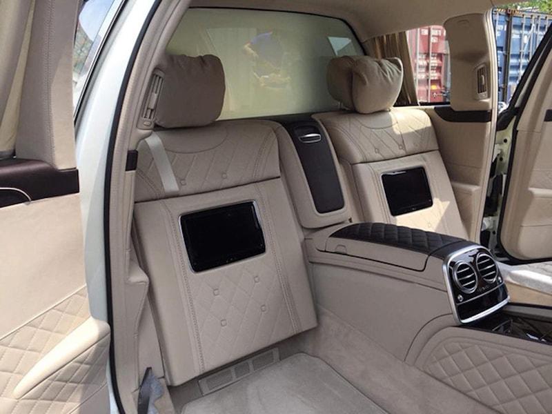 Mercedes-MayBach S600 Pullman về đến Việt Nam - 3