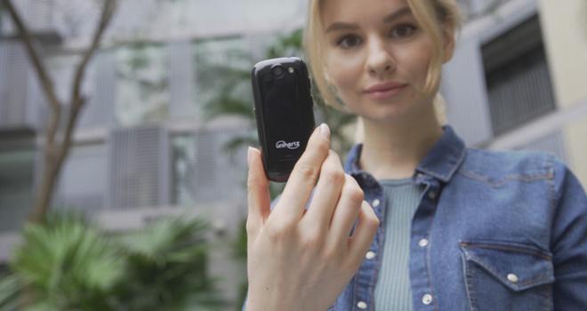Smartphone cỡ nhỏ vẫn được người dùng yêu thích - 1