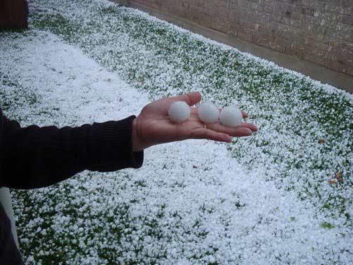 Dự báo thời tiết mới nhất: Mưa đá, dông lốc sẽ xuất hiện dồn dập ở Tây Bắc Bộ - 1