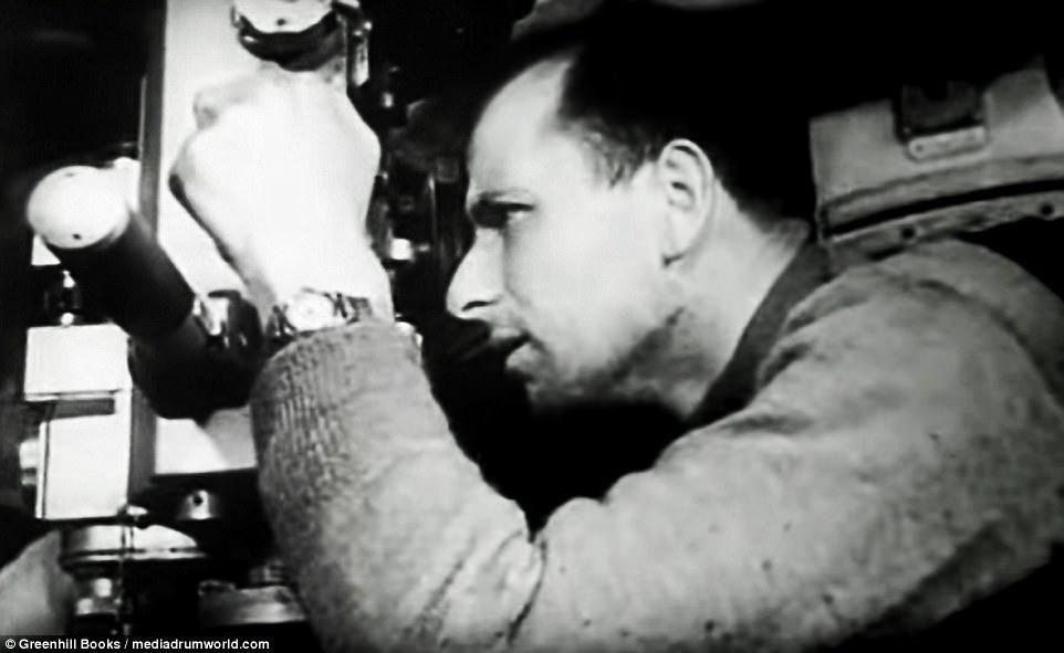 Đô đốc tàu ngầm Phát xít Đức bắn chìm 250.000 tấn tàu thuyền Đồng minh - 2