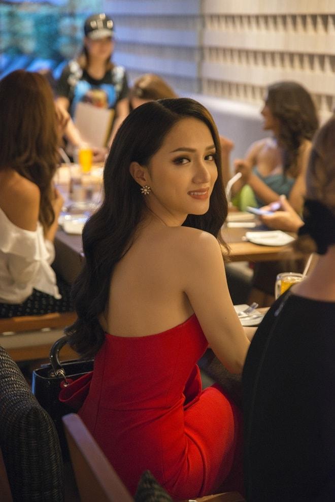 Hương Giang Idol lần đầu đụng độ nữ thần chuyển giới Thái Lan - 3