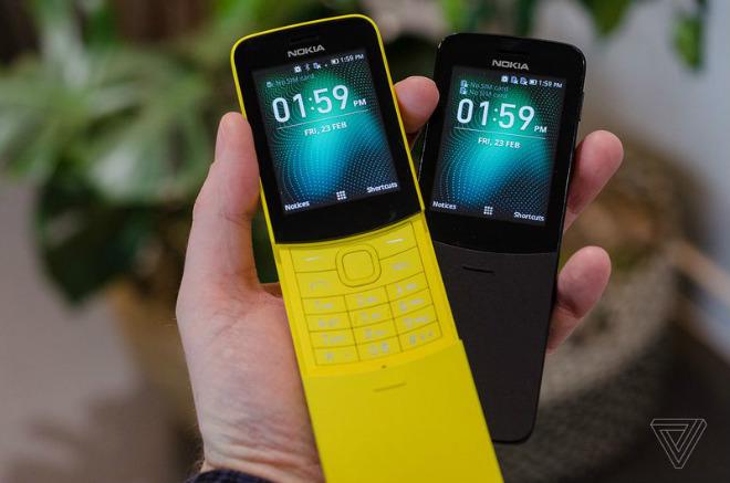 """""""Quả chuối"""" Nokia 8110 hồi sinh, pin 25 ngày, giá rẻ 2,2 triệu đồng - 1"""