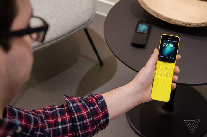 """""""Quả chuối"""" Nokia 8110 hồi sinh, pin 25 ngày, giá rẻ 2,2 triệu đồng - 2"""