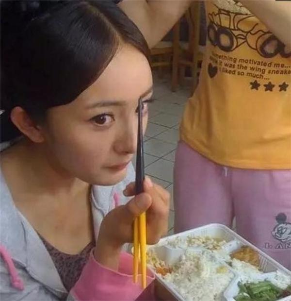 Những bữa cơm vội của sao ngay tại phim trường - 5