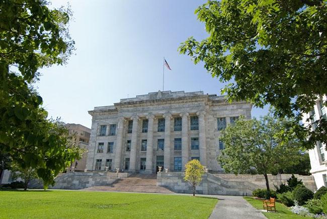 Đại học Y Harvard -  Boston, Massachusetts có thiết kế gây ấn tượng mạnh với bất kỳ ai lần đầu tiên tới đây tham quan. Ngôi trường này từng được các kiến trúc sư đánh giá là nằm trong top các kiến trúc đẹp nhất ở Massachusetts.