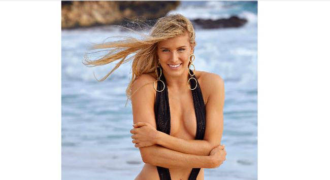 Trước đó vào tháng 2/2017 cô lần đầu tiên xuất hiện trên tạp chí Sports Illustrated và nhận được rất nhiều lời ngợi khen.