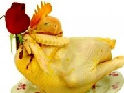 Cách luộc gà vàng óng, không bị nứt để cúng rằm tháng Giêng