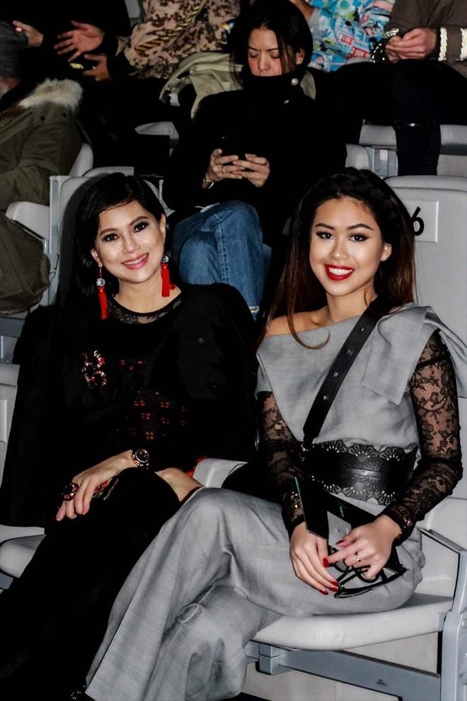 Mẹ và em chồng Hà Tăng sang trọng trên ghế đầu Milan Fashion Week - 4