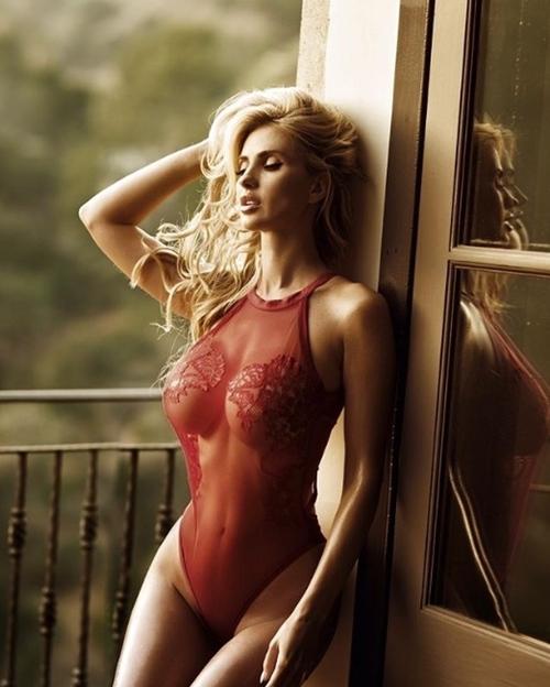 """Bất ngờ với vẻ sexy bất chấp tuổi tác của đệ nhất mỹ nhân """"xứ gái đẹp"""" Ukraine - 4"""