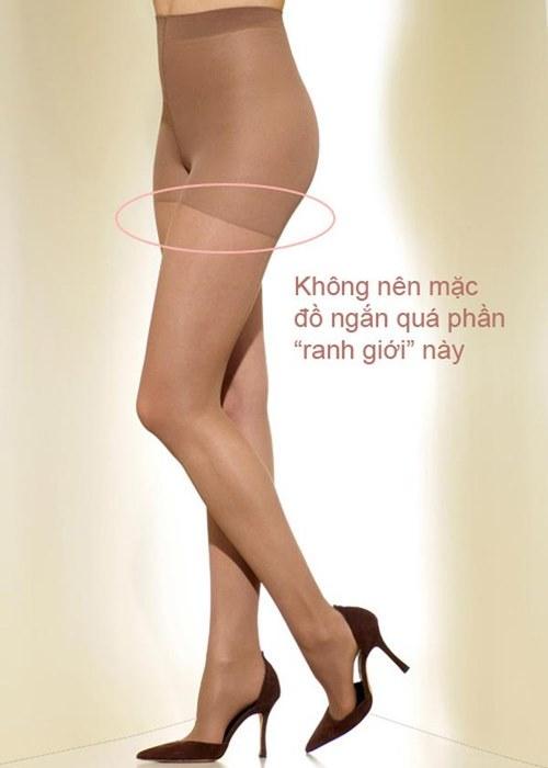 Xin chị em chớ hớ hênh khi mặc quần tất ra đường! - 4