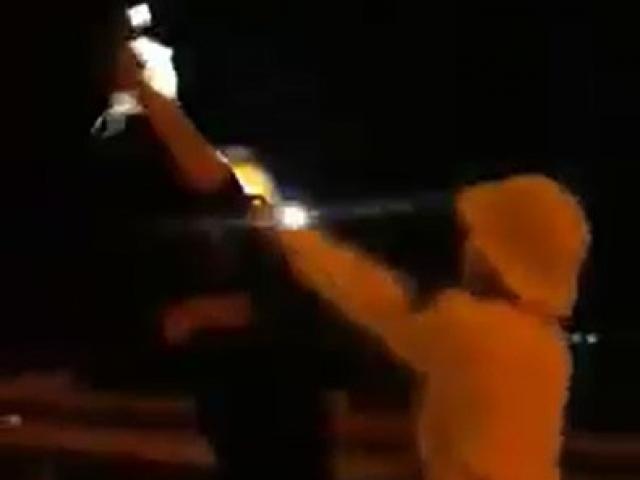 """Đình chỉ CSGT rọi đèn pin, """"vung tay"""" với người quay phim - 4"""