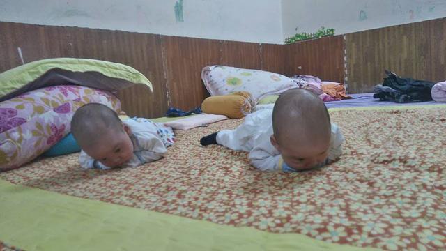 3 bé trai sinh cùng trứng - 200 triệu ca mới có 1 trên thế giới - bây giờ ra sao? - 2