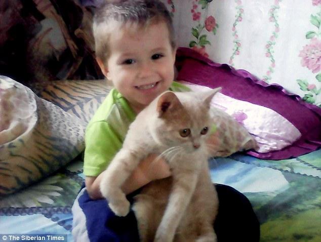 Nga: Ra ngoài trời âm 20 độ giữa đêm, cậu bé 4 tuổi bị đóng băng - 1