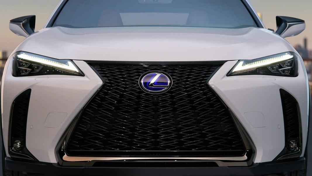 Lộ diện những hình ảnh đầu tiên của Lexus UX 2018 - 2