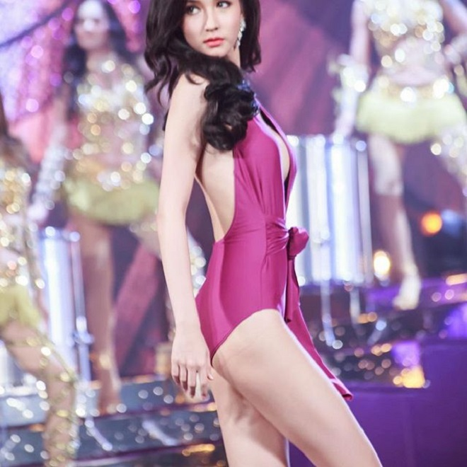 """Hương Giang Idol và """"nữ thần chuyển giới Thái Lan"""": Ai mặc áo tắm sexy hơn? - 6"""