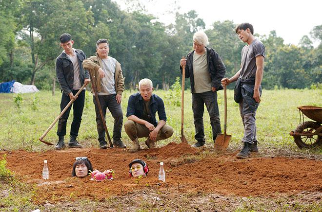 Huy Khánh, Kiều Minh Tuấn cực khổ khi đóng cảnh bị chôn sống - 1