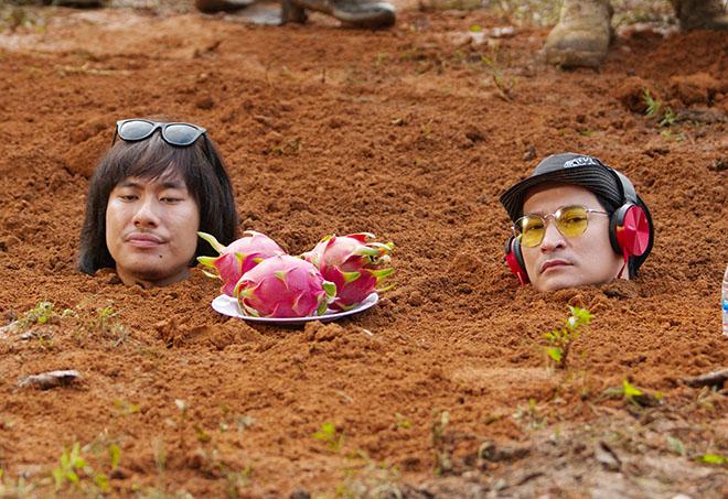 Huy Khánh, Kiều Minh Tuấn cực khổ khi đóng cảnh bị chôn sống - 2