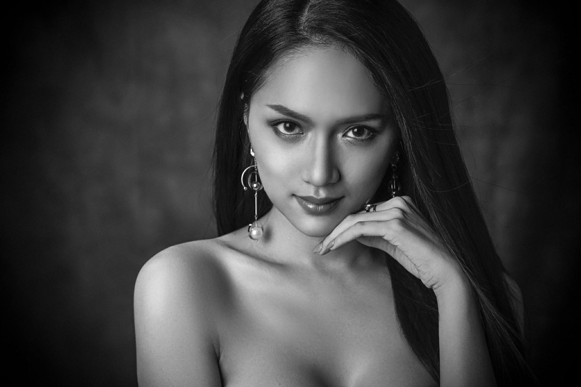 Hành động khôn ngoan của Hương Giang Idol tại Hoa hậu Chuyển giới Quốc tế - 1
