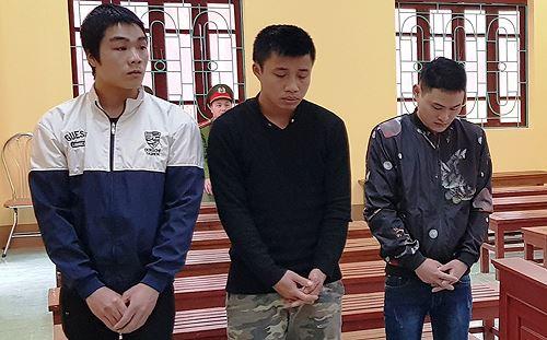 Ba thanh niên say rượu đánh CSGT hòng lấy lại xe vi phạm - 1