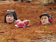 Huy Khánh, Kiều Minh Tuấn cực khổ khi đóng cảnh bị chôn sống