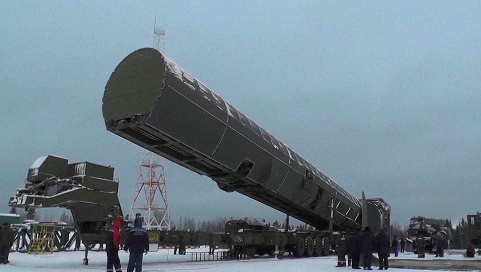 Putin công bố tên lửa hạt nhân Mỹ không thể đánh chặn - 2