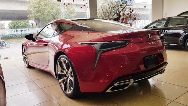 Lexus LC500 trưng bày tại showroom với giá bán gần 10 tỷ đồng - 6