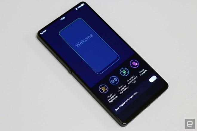 """Vivo khéo """"khoe"""" điện thoại đẹp hơn iPhone X, camera selfie ập mình - 12"""