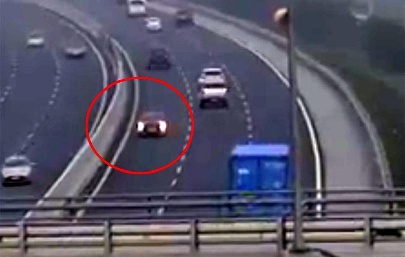 Clip ô tô chạy ngược chiều trên cao tốc gây phẫn nộ: Nữ tài xế khai gì? - 1