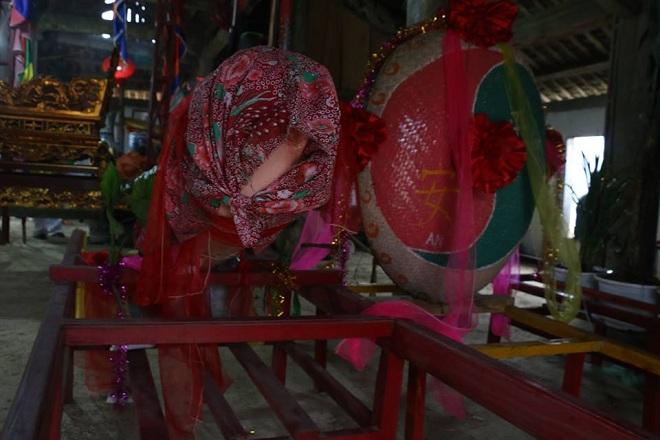 """Tiết lộ bí mật của người làm """"của quý"""" tại lễ hội táo bạo nhất Việt Nam - 1"""