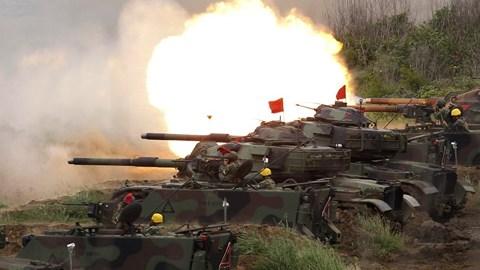 """Báo Trung Quốc """"dọa"""" chiến tranh với Đài Loan vì sự thân thiết của Mỹ - 1"""