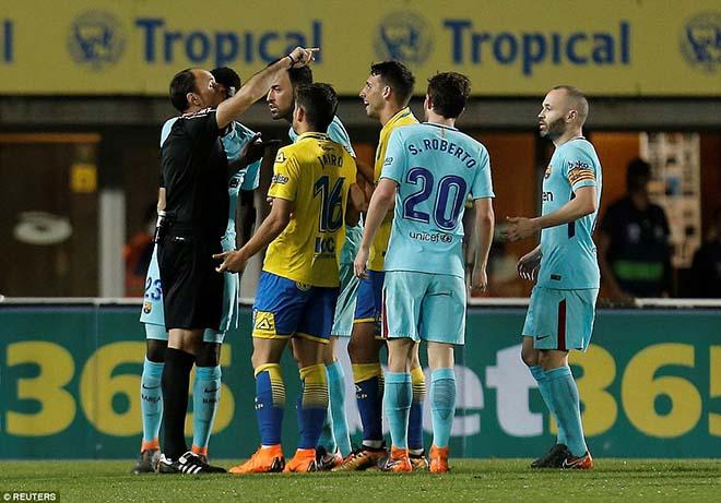"""Nghi án trọng tài thân Real xử ép Barca: """"Lờ"""" thẻ đỏ, 11m cay nghiệt - 1"""