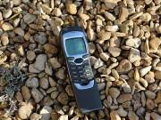 Sau Nokia 8110, cục gạch  1999  Nokia 7110 sẽ được hồi sinh?