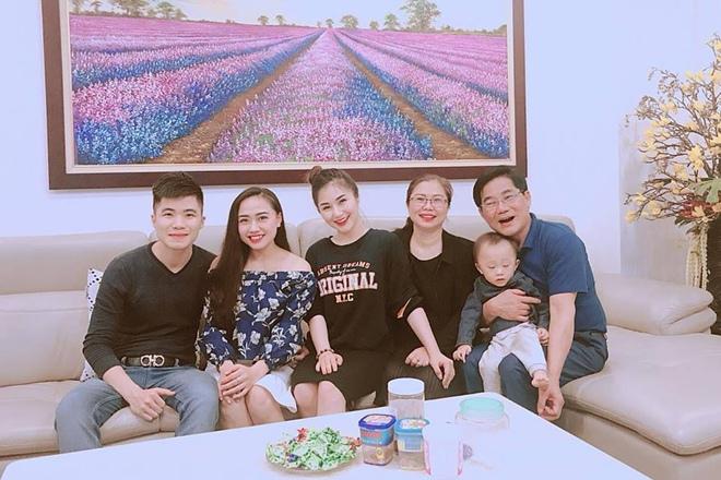 Ngỡ ngàng với 3 bà mẹ trẻ trung quyến rũ của mỹ nữ Việt - 13