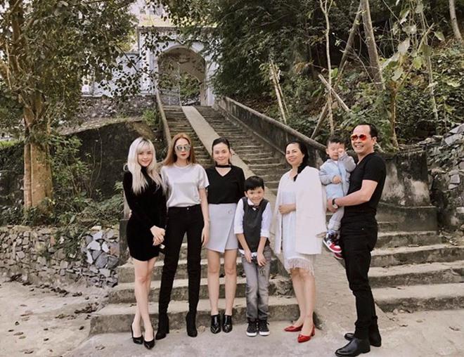 Ngỡ ngàng với 3 bà mẹ trẻ trung quyến rũ của mỹ nữ Việt - 8