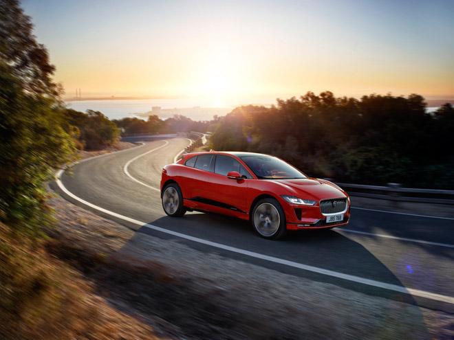 Jaguar I-Pace vs Tesla Model X - Ai hơn ai? - 4