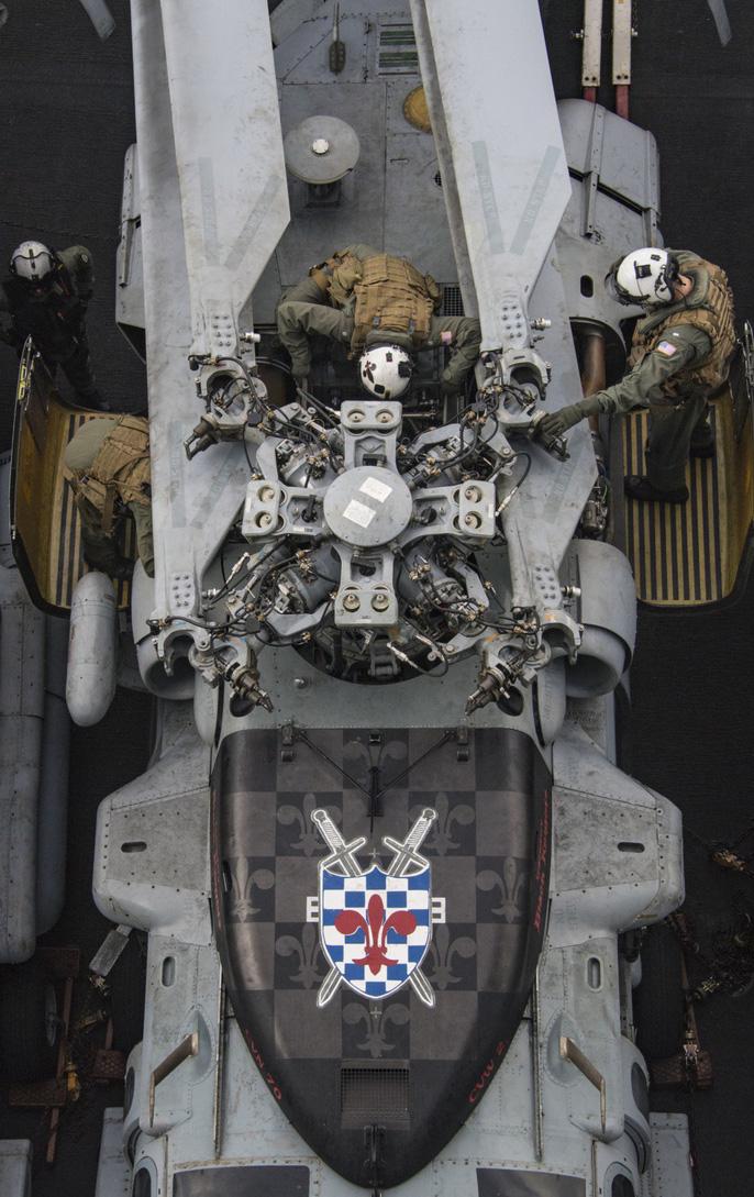 Hình ảnh mới nhất trên Biển Đông của tàu sân bay Mỹ sắp đến Việt Nam - 26