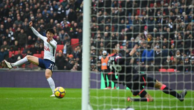 """Tottenham - Huddersfield: 2 """"cú đấm"""" chí tử từ Viễn Đông - 1"""