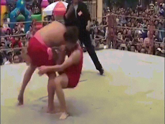 Tin nóng võ thuật 4/3: Hiện tượng UFC Brazil tiễn đàn chị về vườn - 3