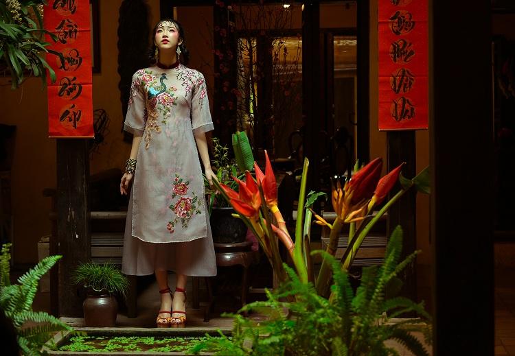 NTK Hùng Việt hoài niệm với áo dài ngày xuân của Hà Nội - 3