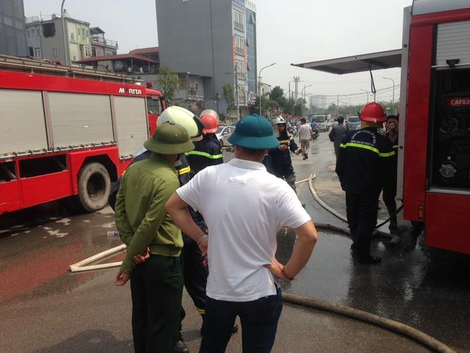 Cháy lớn tại khu nhà xưởng, hàng quán trong làng Triều Khúc - 6