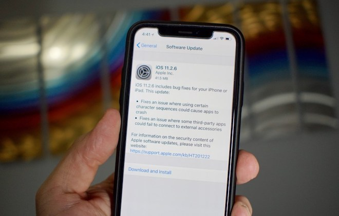 Người dùng đã hết đường hạ cấp từ iOS 11.2.6 xuống bản thấp hơn - 1
