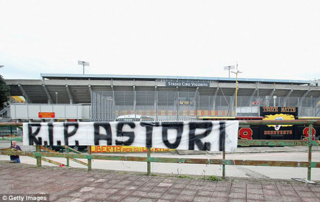 SAO Fiorentina qua đời, Serie A hoãn đấu: Lộ lý do đột tử, châu Âu xót xa - 11