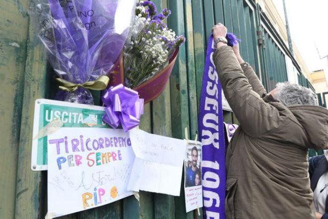 SAO Fiorentina qua đời, Serie A hoãn đấu: Lộ lý do đột tử, châu Âu xót xa - 12